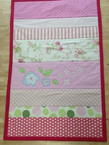 BABY QUILT CON FLORES