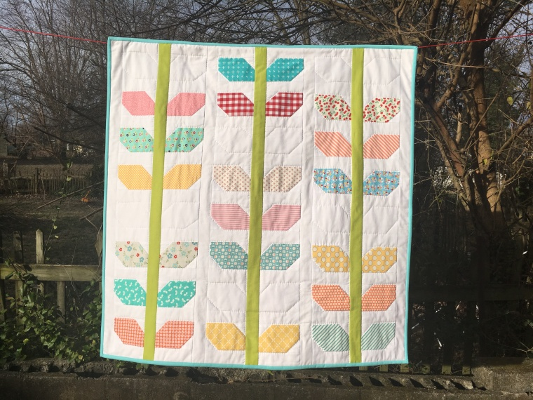 Morning Glory Miniquilt / anabelula.worpress.com